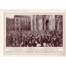 A Crowd Of Italian Demonstrators Outside Milan Cathedral WW1 1915 Print